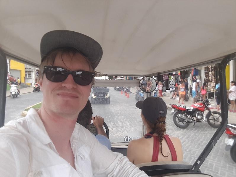 Auf der Isla Mujeres einmal im Golfcart sitzen, dank unseres Guides | wat-erleben