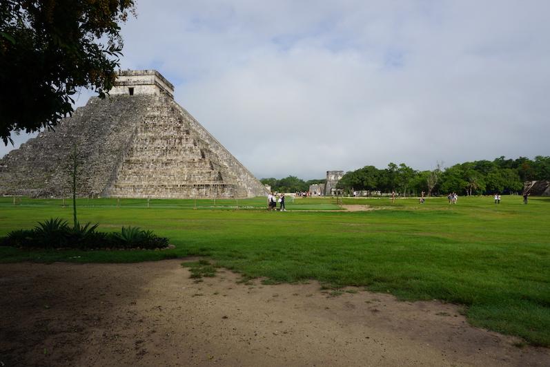 Die Pyramide des Kukulcan am frühen Morgen, Chichen Itza | wat-erleben