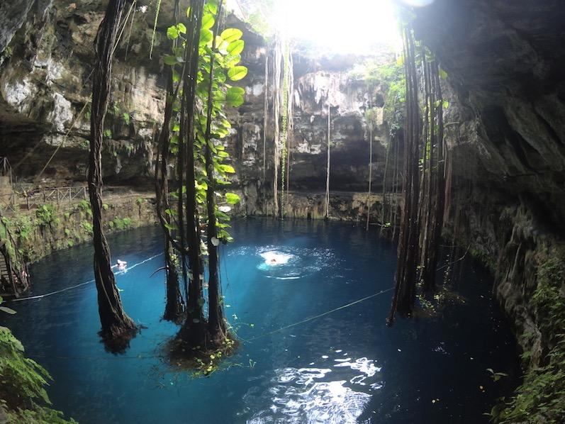 In der Cenote Oxman haben wir einen auf Tarzan gemacht, Valladolid | wat-erleben