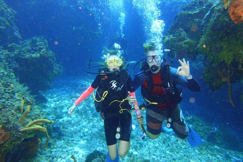 Mitten im Riff,Tauchen Cozumel, Photocredit und mehr Fotos:Kahuna Scuba: | wat-erleben
