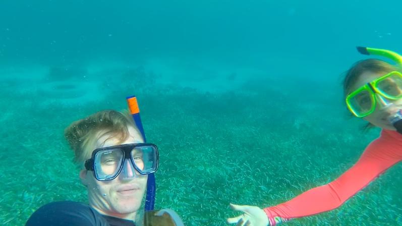 Schnorcheln am Korallenriff Garrafon auf Isla Mujeres mit Fischen im Hintergrund | wat-erleben