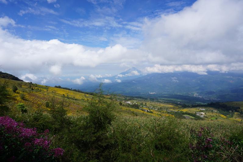 Der Ausblick zu Beginn unserer Wanderung, Vulkan Acatenango | wat-erleben