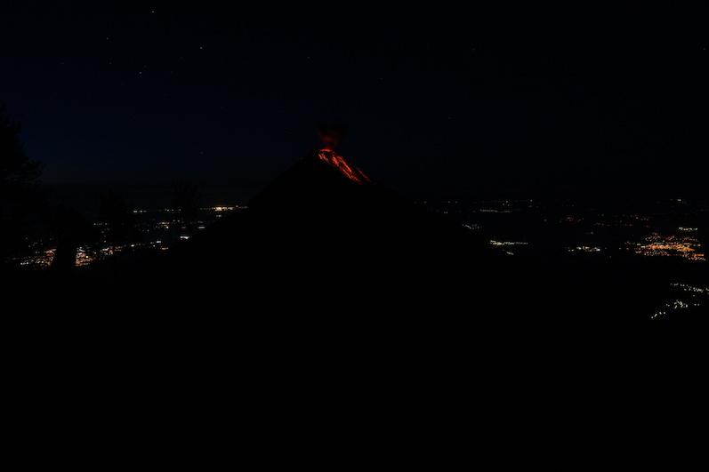 Der Vulkan Fuego am frühen Morgen2 | wat-erleben