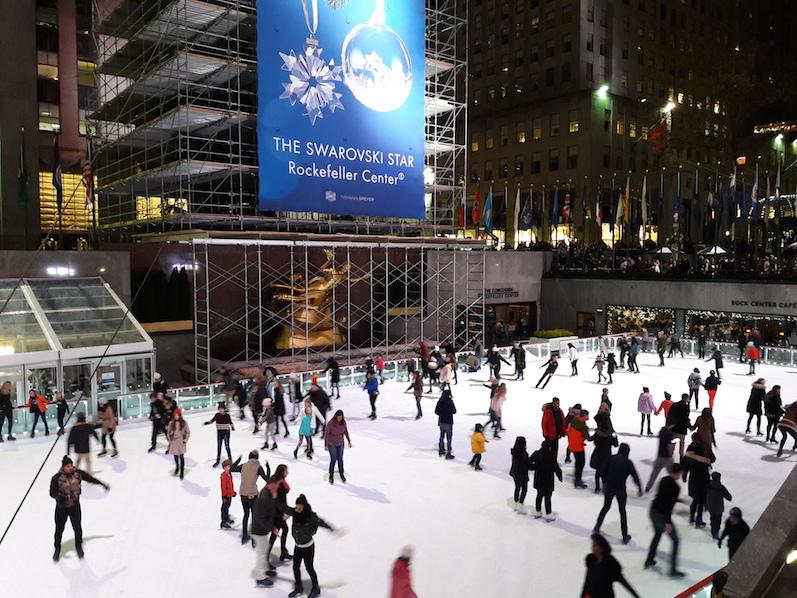 Die Weihnachtssaison in NYC ist längst gestartet, Eisbahn am Rockefeller Center | wat-erleben