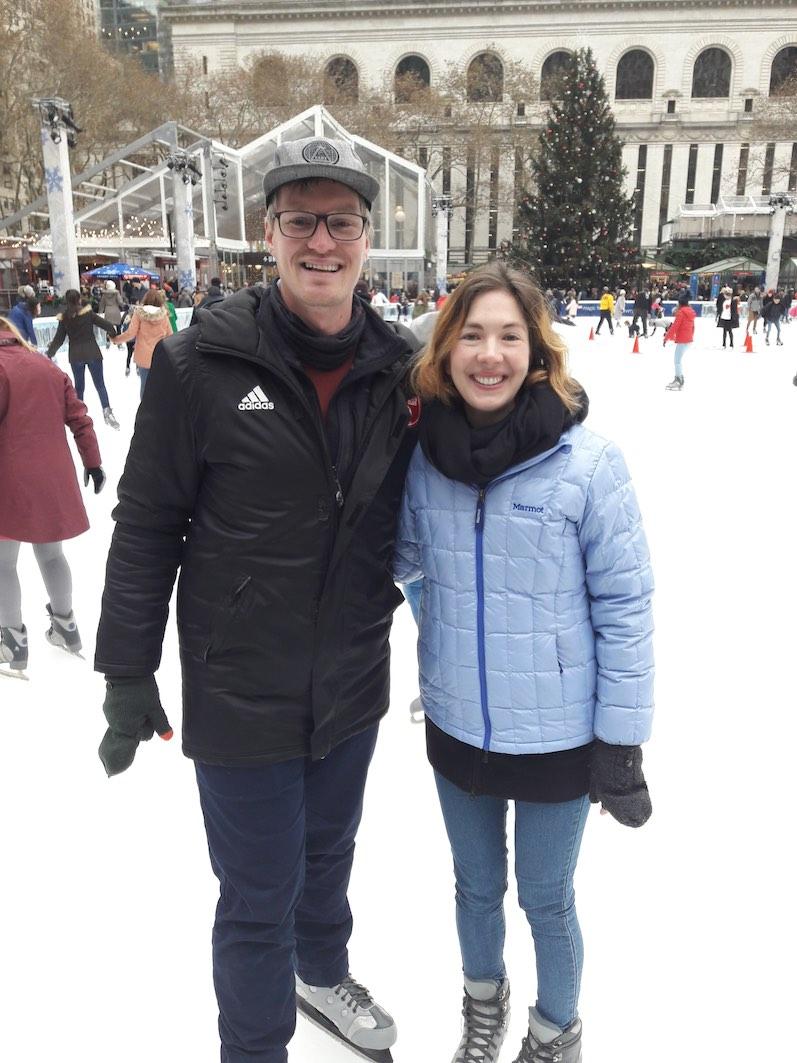 Schlittschuhfahren im Bryant Park, ohne Hinfallen, NYC | wat-erleben