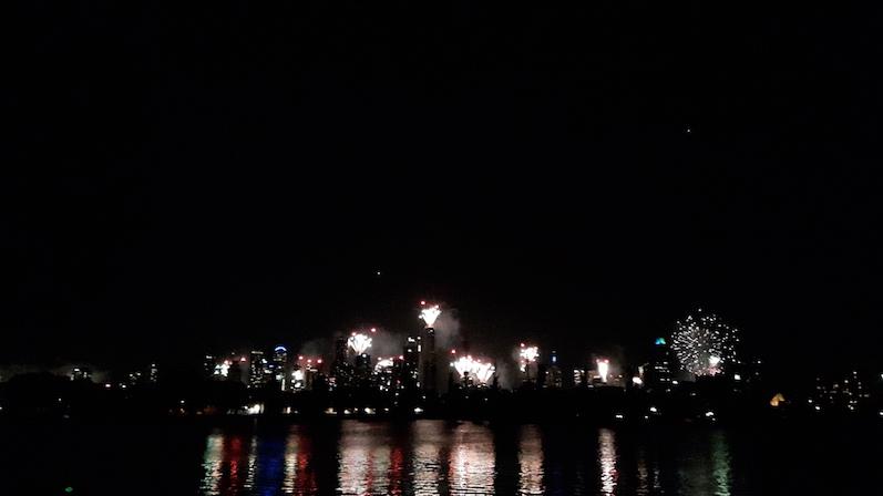 Silvester-Feuerwerk in Melbourne, Albert Park; ein besseres Foto kommt noch | wat-erleben
