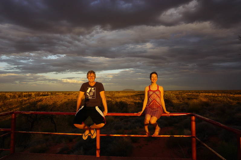 Beim dritten Fotoversuch befand sich der Ayers Rock in der Mitte, Uluru |wat-erleben
