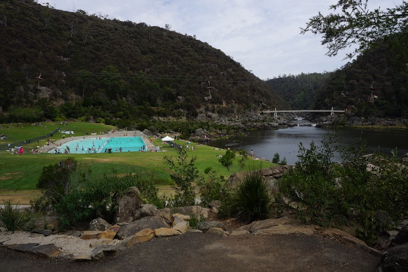 Da ist ja noch ein Schwimmbad und der Fluss ist gar nicht türkis, Launceston, Tasmanien | wat-erleben