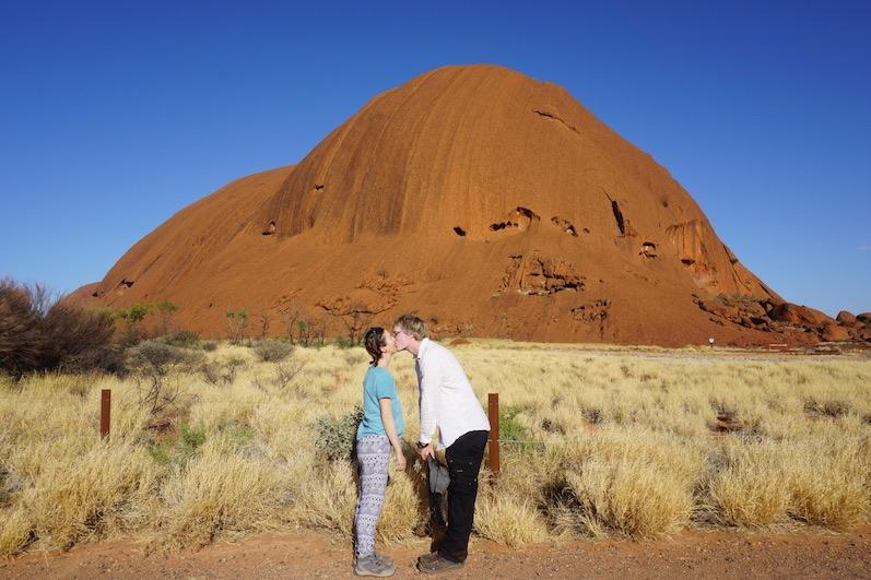 Schaut ein wenig nach Fototapete aus, Uluru |wat-erleben