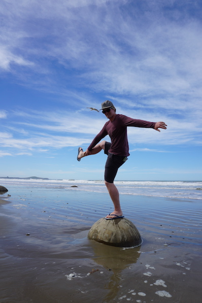 Sieht bei Bernd mindestens genau so gut aus, Moeraki Boulders, Neuseeland | wat-erleben