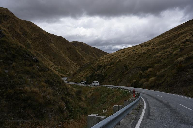 Ständig wechselnde Landschaft Richtung Wanaka, Neuseeland | wat-erleben