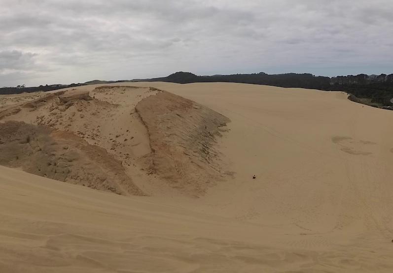 Da unten bin ich schließlich gelandet, Te Paki Dünen, Neuseeland | wat-erleben
