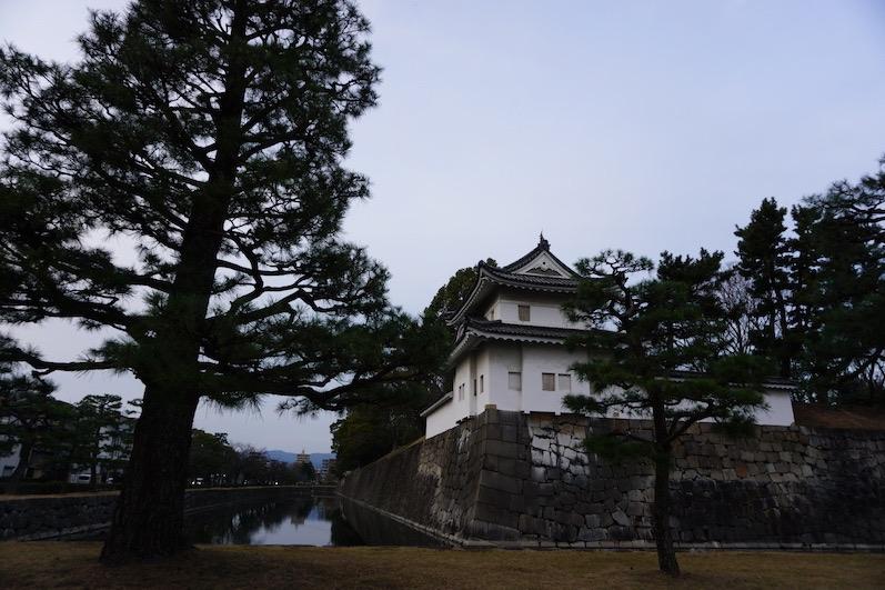 Die Festungsmauer der Samurai-Burg, Kyoto, Japan |wat-erleben