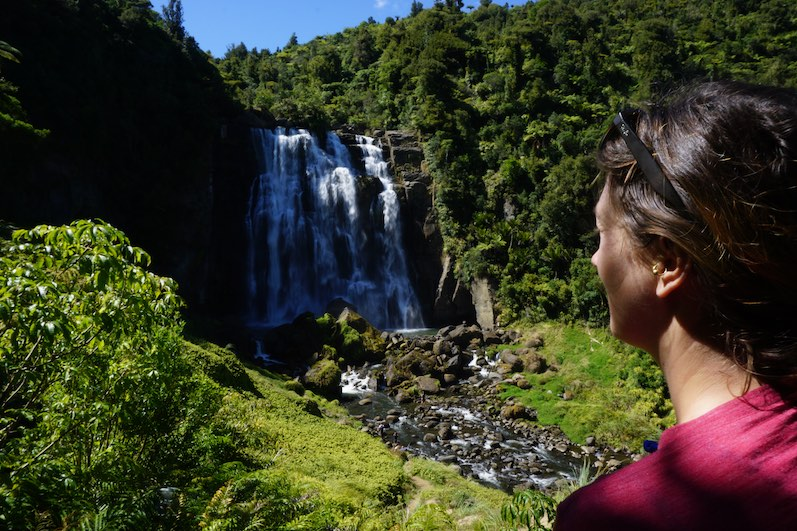 Marokopa-Falls, einer der schönsten Wasserfälle von Neuseeland (von denen, die wir gesehen haben) | wat-erleben