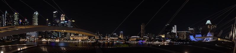 Auch die Skyline an der Marina Bay blinkt und funkelt, Singapur | wat-erleben