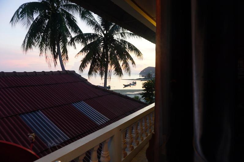 Der Ausblick aus unserer Unterkunft kann sich sehen lassen, Koh Phangan | wat-erleben