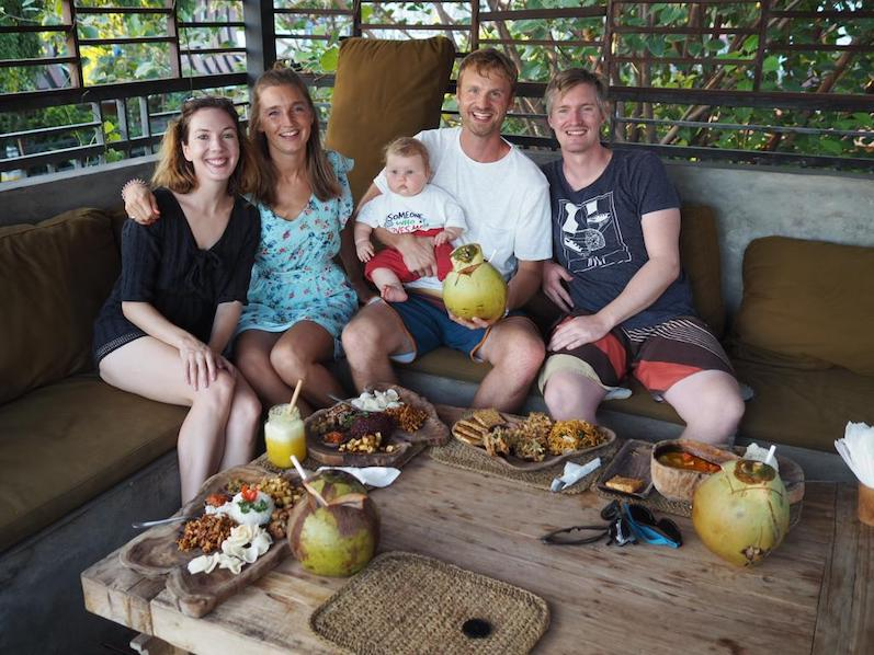Hauptsache mit Kokosnuss posen, Canggu, Bali | wat-erleben