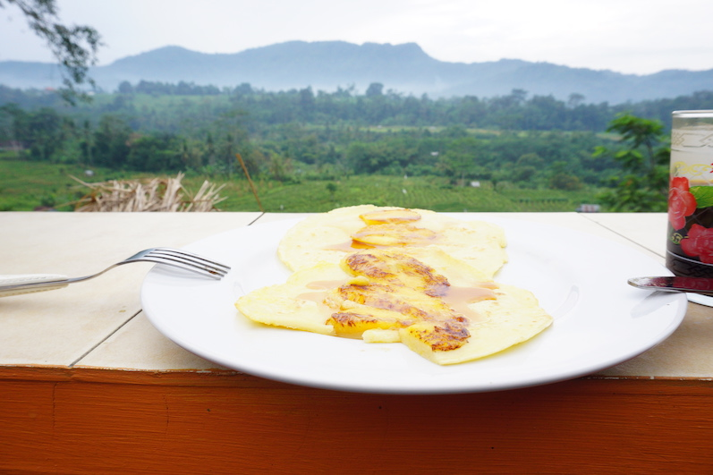 Banana Pancakes und Kaffee mit Aussicht, Sidemen, Bali | wat-erleben
