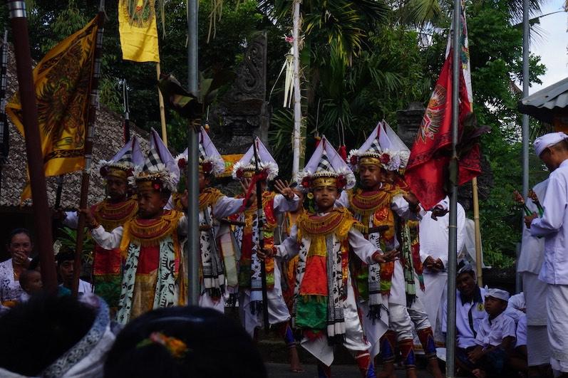 Einer der traditionellen Tänze im Tempel; Redang, Bali | wat-erleben