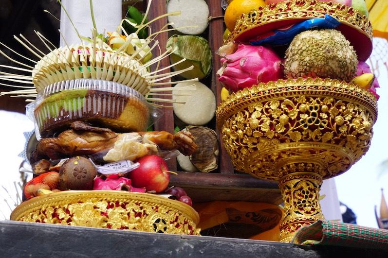 Gesegnet schmeckt es hinterher doch bestimmt doppelt so gut; Redang, Bali | wat-erleben