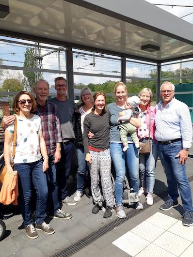 Unser Empfangskomitee am Bahnsteig, Bad-Bentheim |wat-erleben